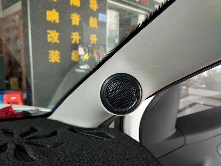 雪铁龙C3升级德国HELIX音响 | 听觉与视觉的激烈碰撞,带来耳朵和眼睛的双重享受