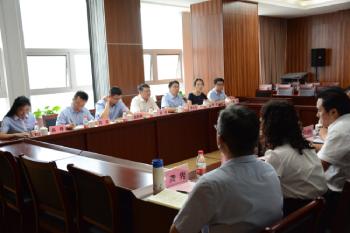 重庆股转中心与供销集团开展合作交流