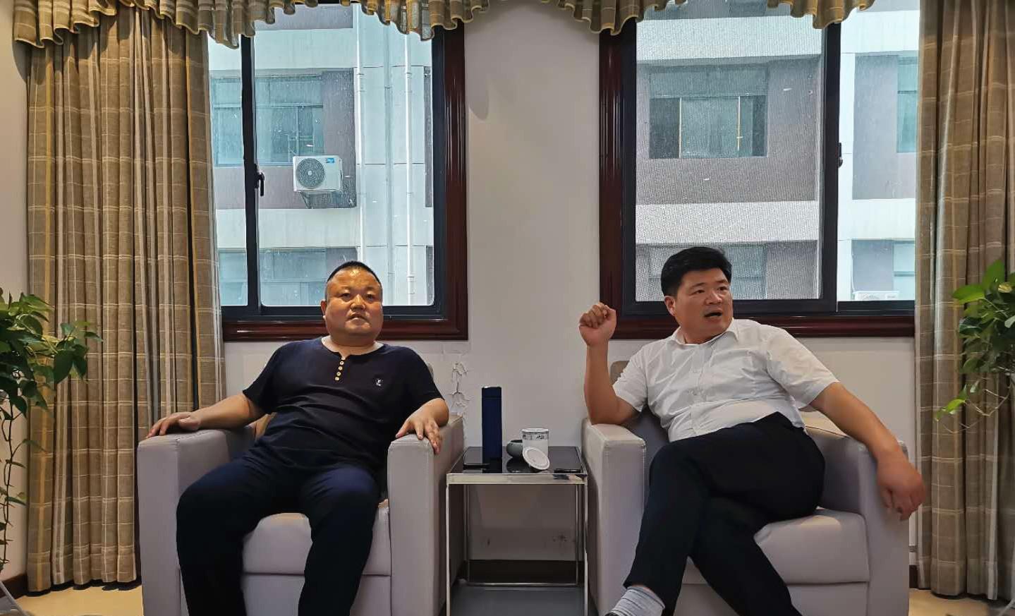 安徽省阜南县焦陂镇党委书记王敬辉一行来雷竞技官网考察