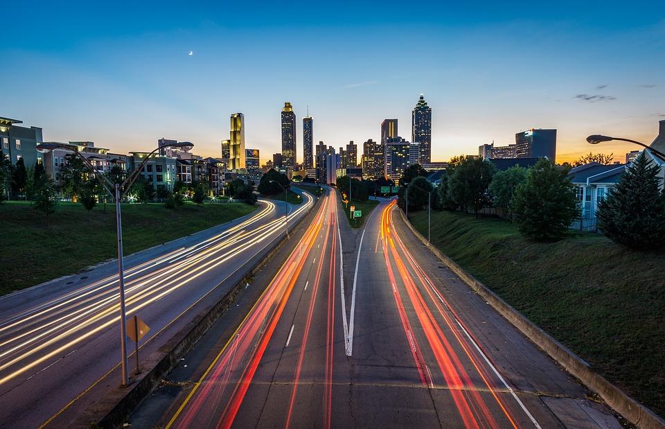 国庆高速免费8天,戴眼镜开车的你需要注意哪些问题?
