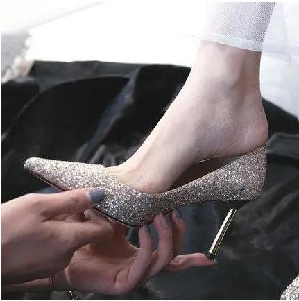 女人一生许一人,一辈子只穿一次的婚鞋,让你做全场瞩目的新娘