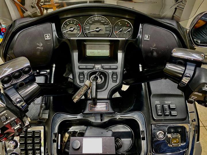 够劲够炫!摩托车改装德国HELIX音响,让悠扬乐曲伴你驰骋天涯