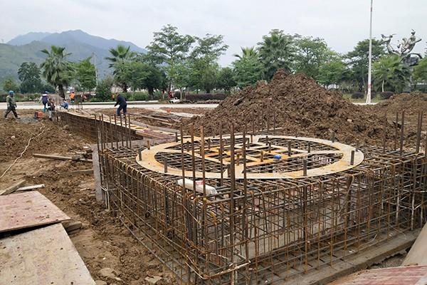 连南县沿陂-甘美瑶山 安乐连南-钢结构岭雕塑