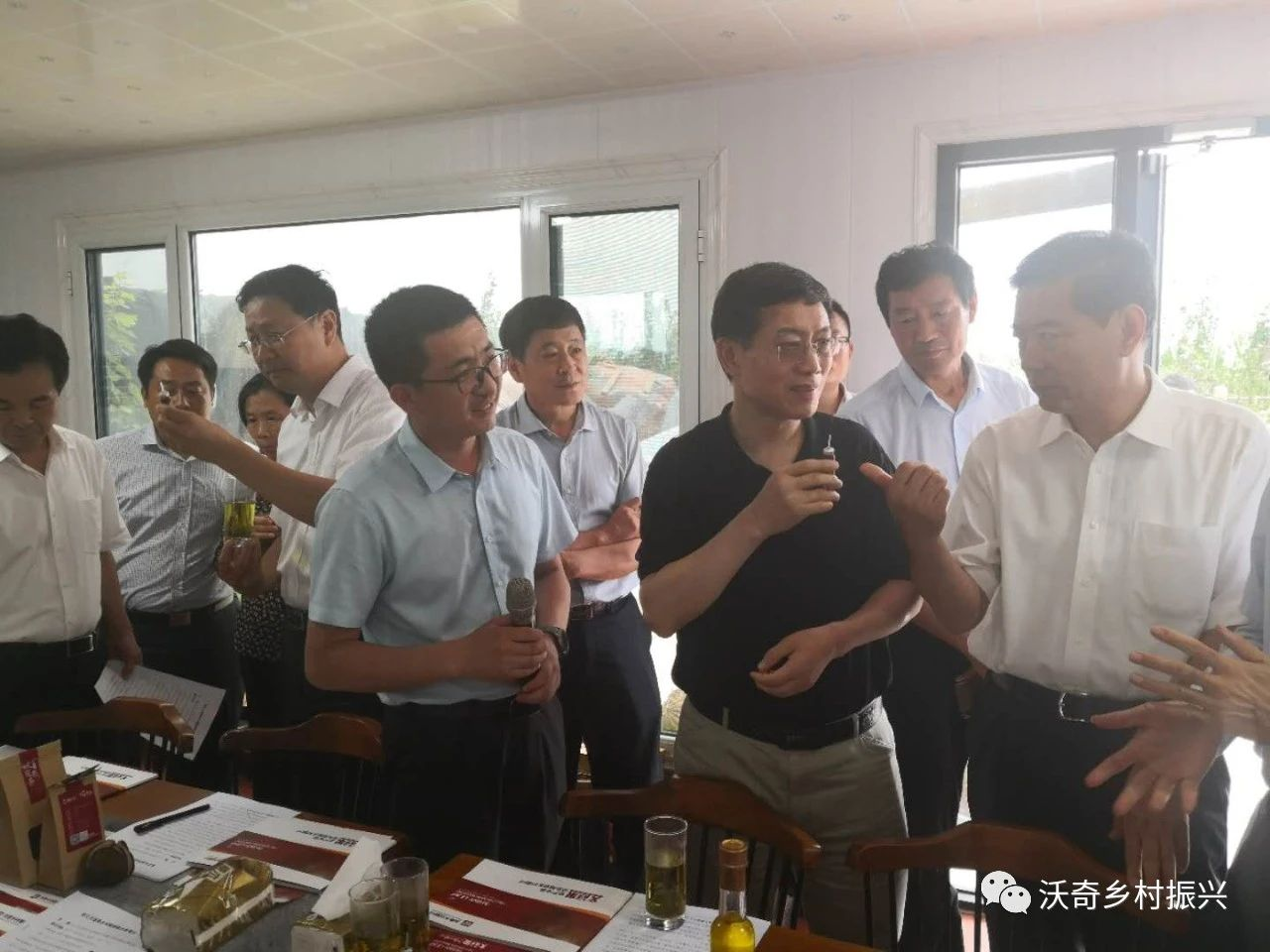 全国人大常委会委员朱明春一行到我司调研文冠果乡村振兴产业