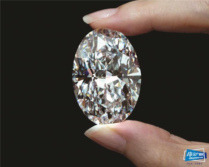 1570万美元,一颗102.39克拉钻石以天价拍出