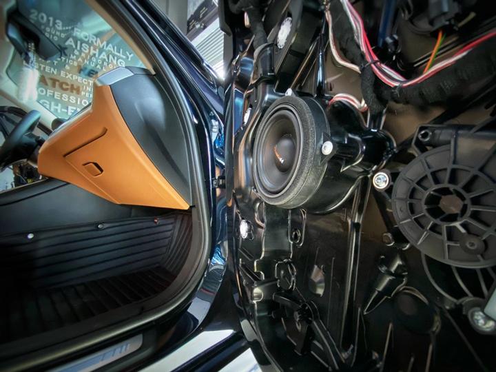 宝马325升级德国MATCH专车专用音响,尽情倘佯在缤纷多彩的音乐世界里