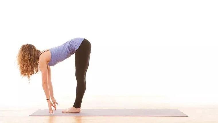 10组灵活脊柱的流瑜伽,让你变成软妹子
