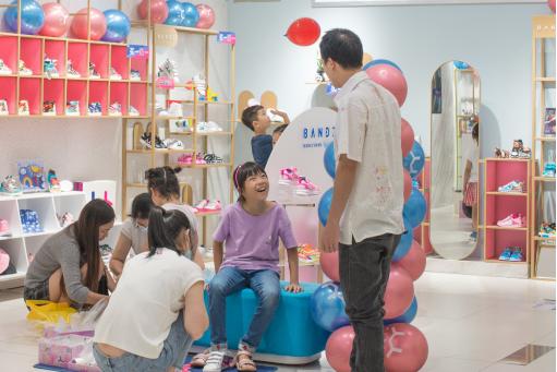热烈祝贺BANDZ班队长童鞋东莞天和city硕士店盛大开业