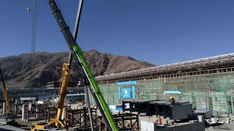 穿过可可西里、翻越唐古拉山,拉萨首座高架钢箱梁桥成功首架