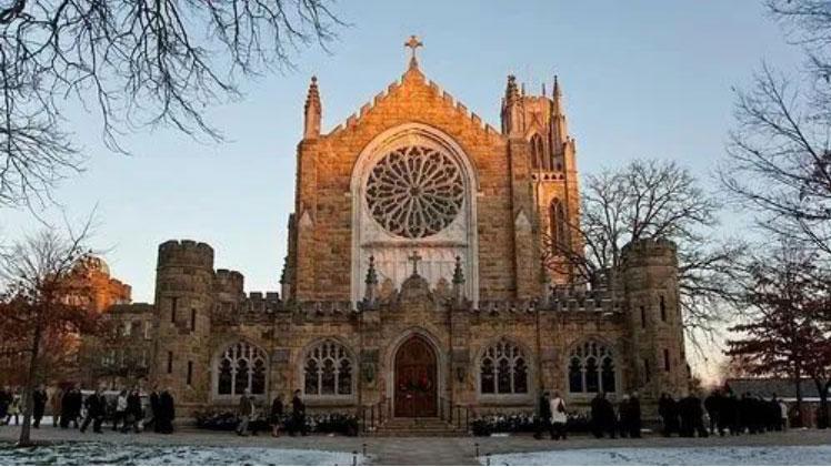 新合作 | 圣母大学、圣十字学院、西沃恩南方大学、约翰卡罗尔大学