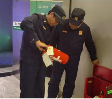 杨浦万博网页版注册登入高频次开展万博网页版注册登入安全隐患夜查行动