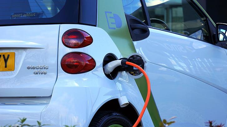 新能源汽车相关企业注册量大增