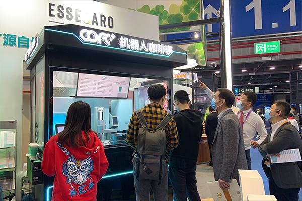 进博会COFE+机器人咖啡亭4.0升级版全球首发!秘鲁、埃塞等国大使纷纷亲自拜访