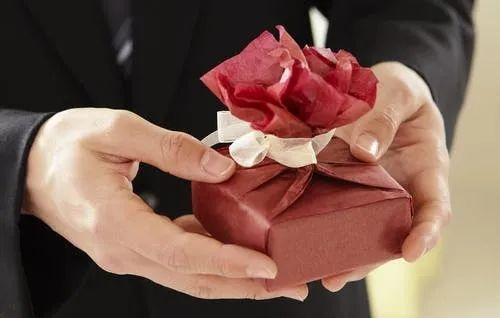 悔婚后,恋爱时给我的钱还要返还吗?