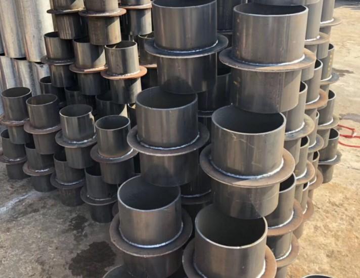防水套管厂家教大家如何对防水套管进行除锈和预防腐蚀