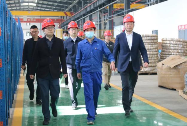 咸宁市委副书记张士军一行到众人帮app官网下载赤壁产业园调研