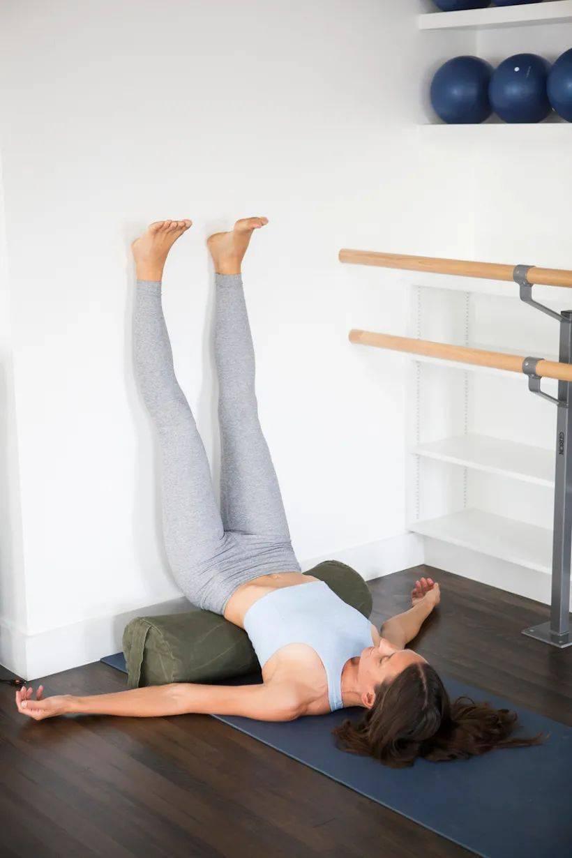 身心疲惫?这10个瑜伽动作让你放松身心,释放疲劳