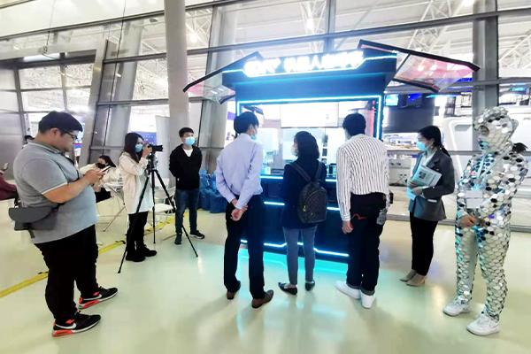 第三届长三角科交会上有什么黑科技?机器人咖啡4.0升级版来了!