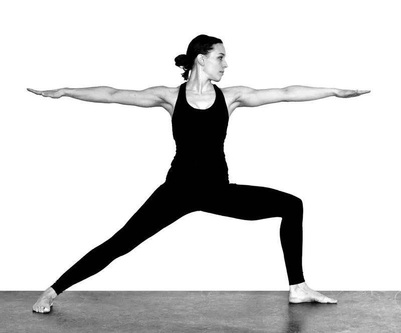 9种瑜伽体式让你的皮肤焕发光彩