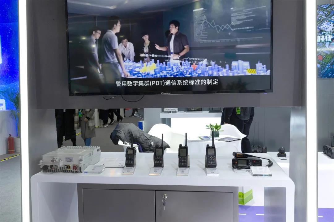 必威平台网址达携5G、AI等黑科技产品亮相第十届警博会,迈向智领警务时代