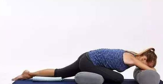 6式躺着就能完成的修复性瑜伽体式