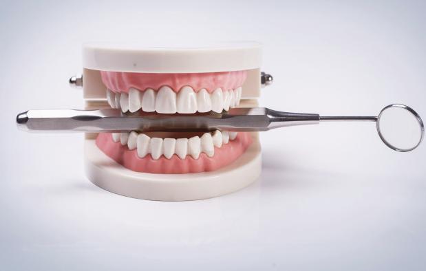 在深圳牙齿矫正后能对齐牙齿中线吗