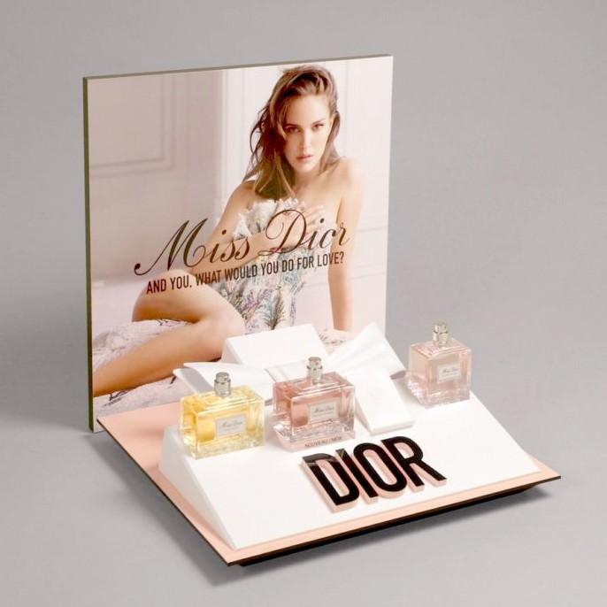 护肤品香水展示架