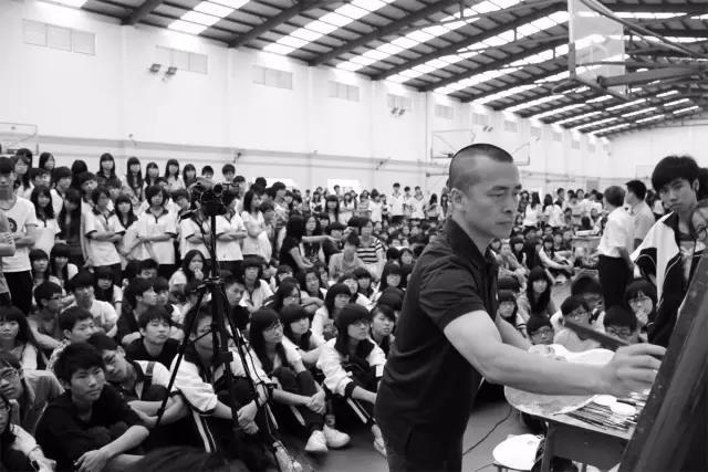 深耕美术教育的摆渡人——陈永忠老师