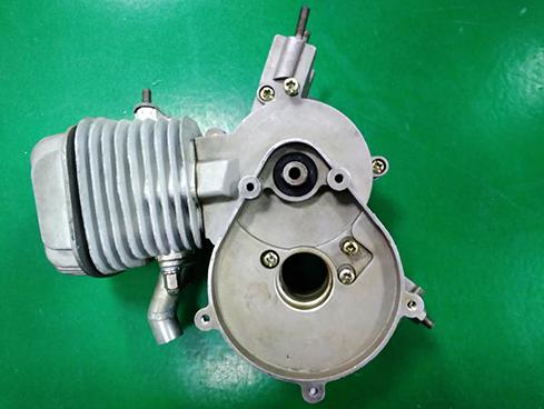 分享发动机自动锁螺丝机设备