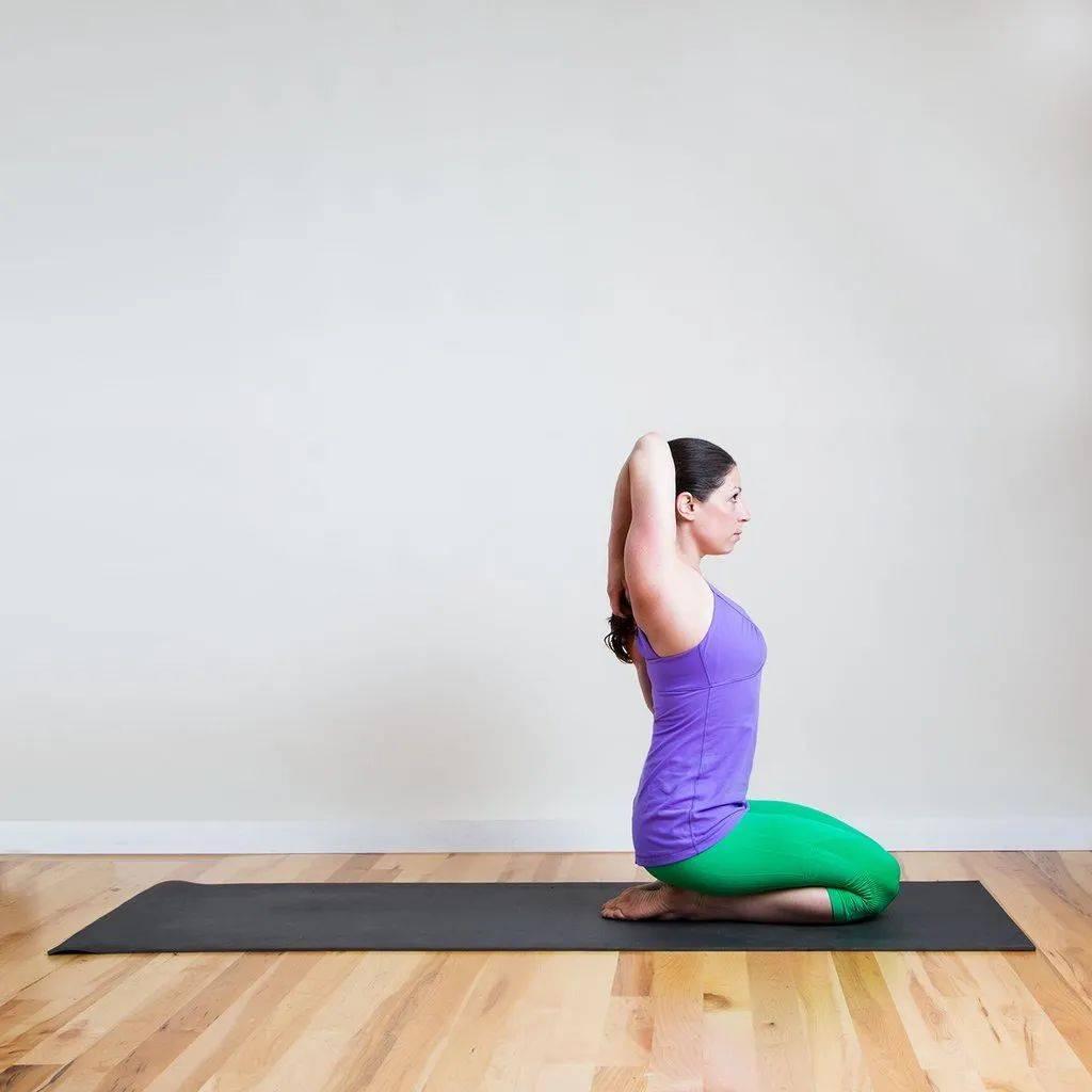 6个简单的瑜伽练习 舒缓肩颈僵硬经络不通