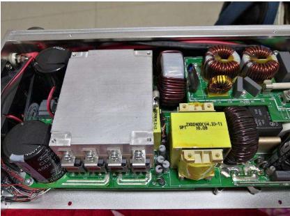 车载电源硅胶点胶机设备