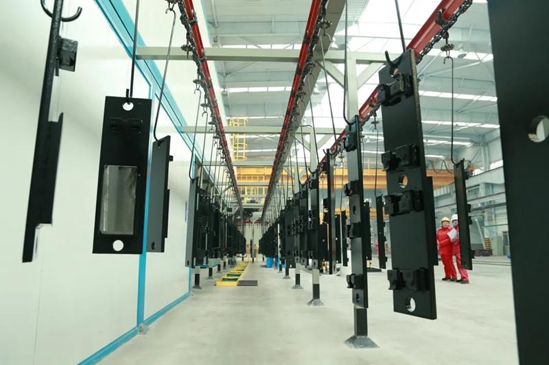 国内道岔行业首条新型静电防腐自动化生产线正式投产