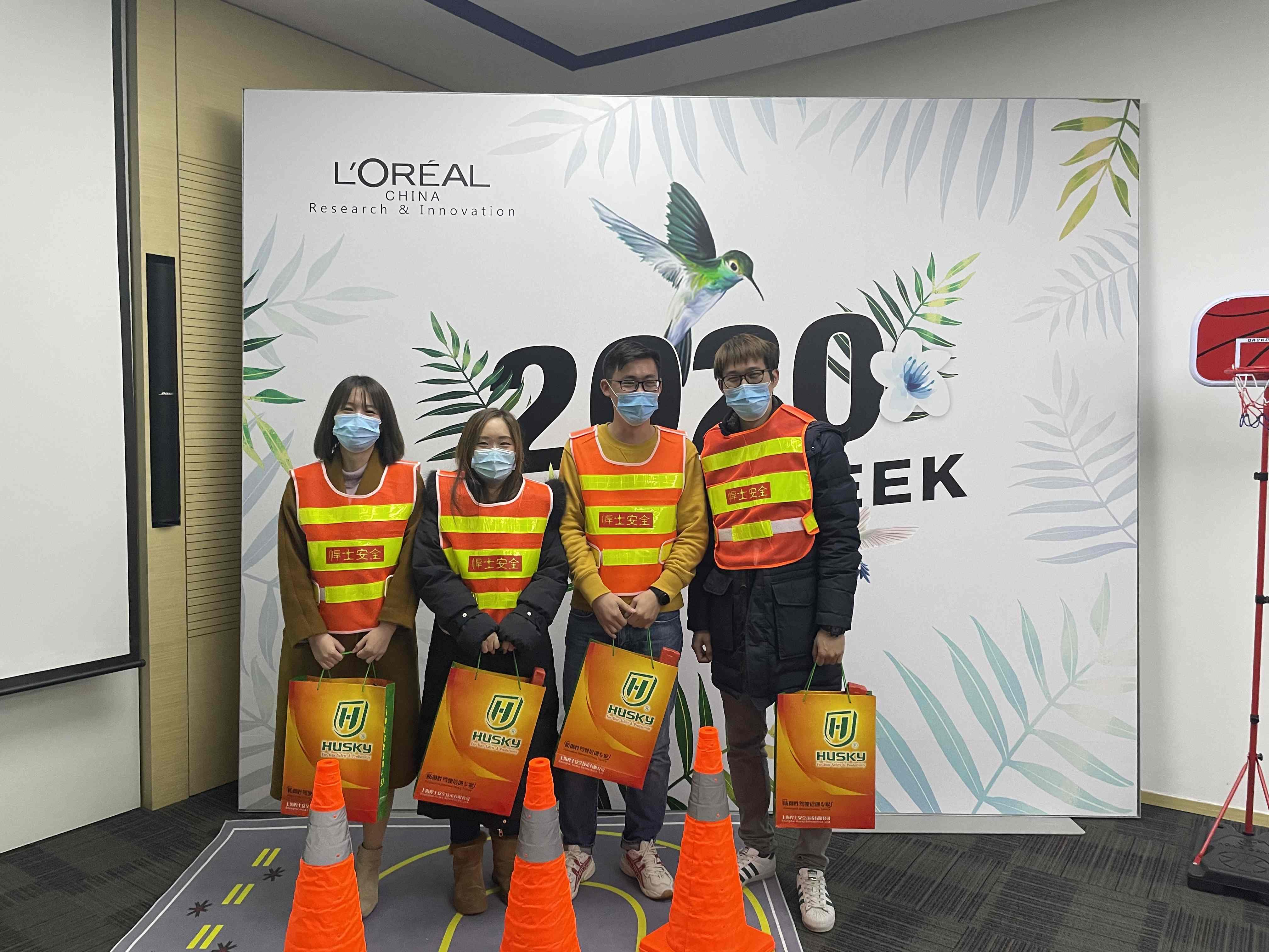 欧莱雅安全周举办道路安全讲座及体验活动