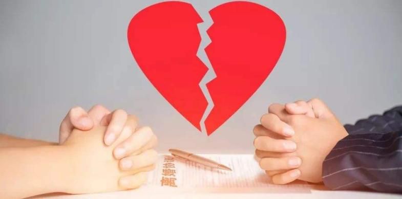 北京知名律师解读:同居生活前,一方自愿赠送给对方的财物,可比照赠与关系处理