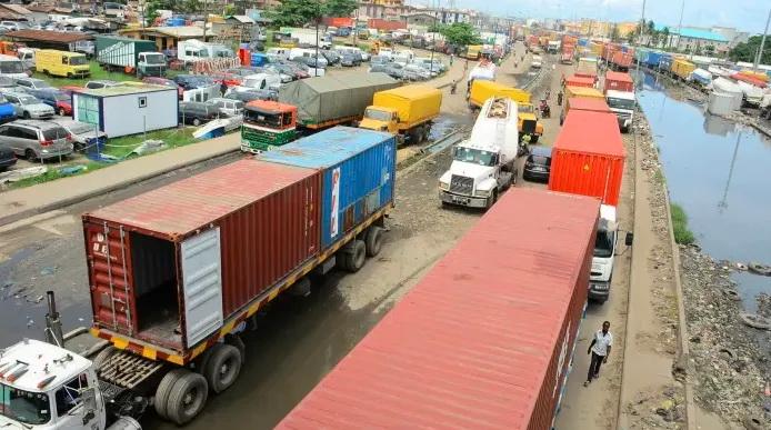 """""""死亡拥堵""""!船舶到港1个月才能卸货!一个货柜运到内陆20公里就需花费4000美元"""
