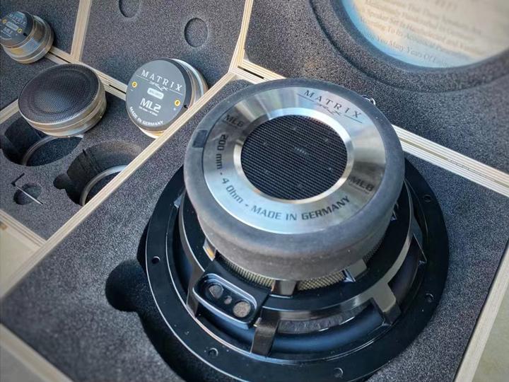 丰田霸道再次升级德国BRAX音响,让焕然一新的醉人HI-END音质点缀你的完美出行