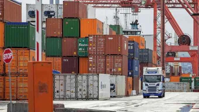 11月份订单还在等待发货!集装箱短缺需求回升导致海运成本翻三倍!全球供应链遭破坏