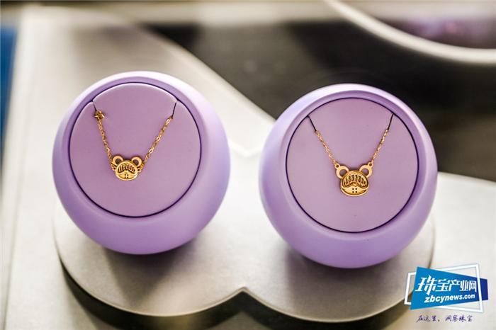 携手星际族潮玩IP,罗曼蒂珠宝全力打造新轻奢珠宝时尚