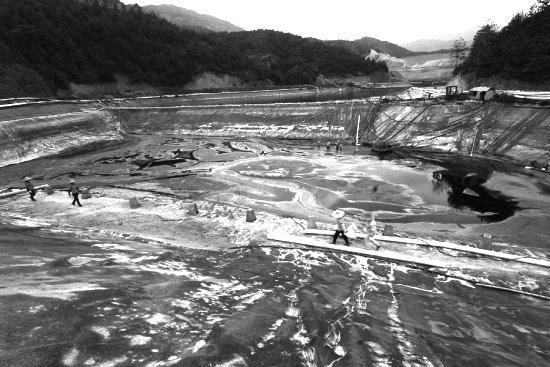 紫金山金铜矿湿法厂污染场地修复工程
