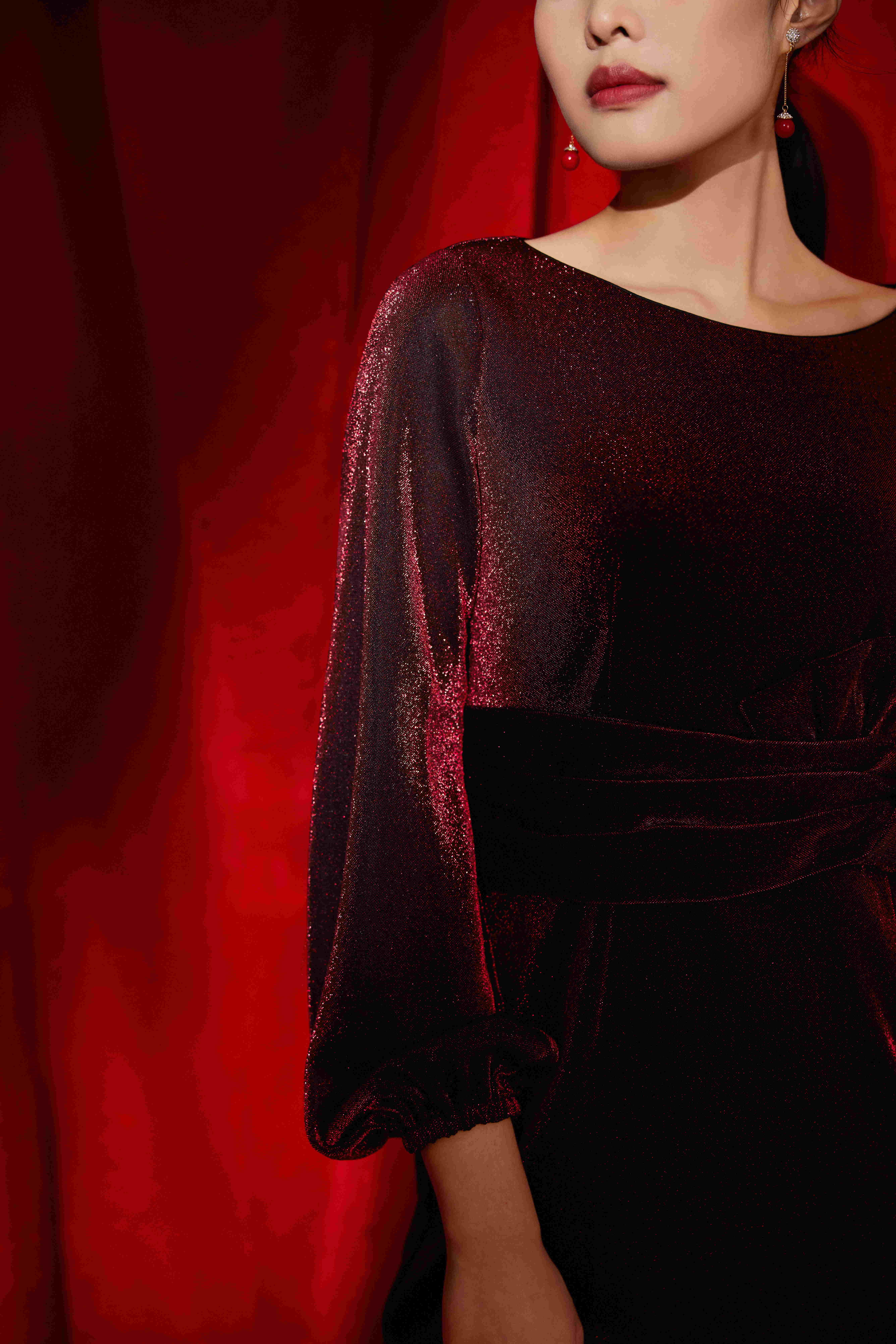 如何选择质量可靠的女士礼服定制
