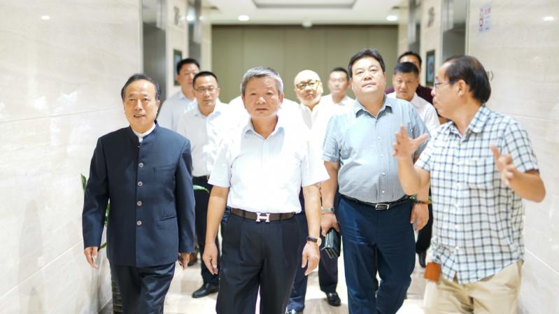開啟合作新篇章 茅臺集團白金酒公司參訪西上海集團
