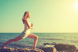 初学瑜伽学员怎么选瑜伽服 萨托瑜伽网络课程来支招