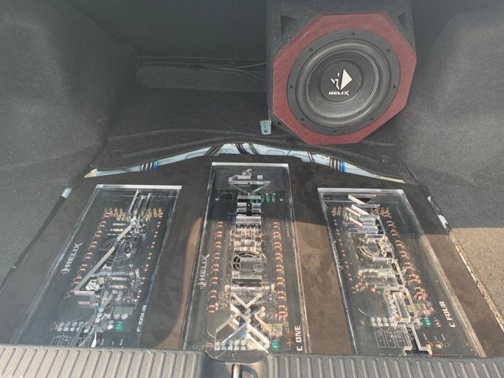 丰田锐志音响升级德国BRAX & 德国HELIX | 跌宕起伏的旋律,让路上的风景更加美丽