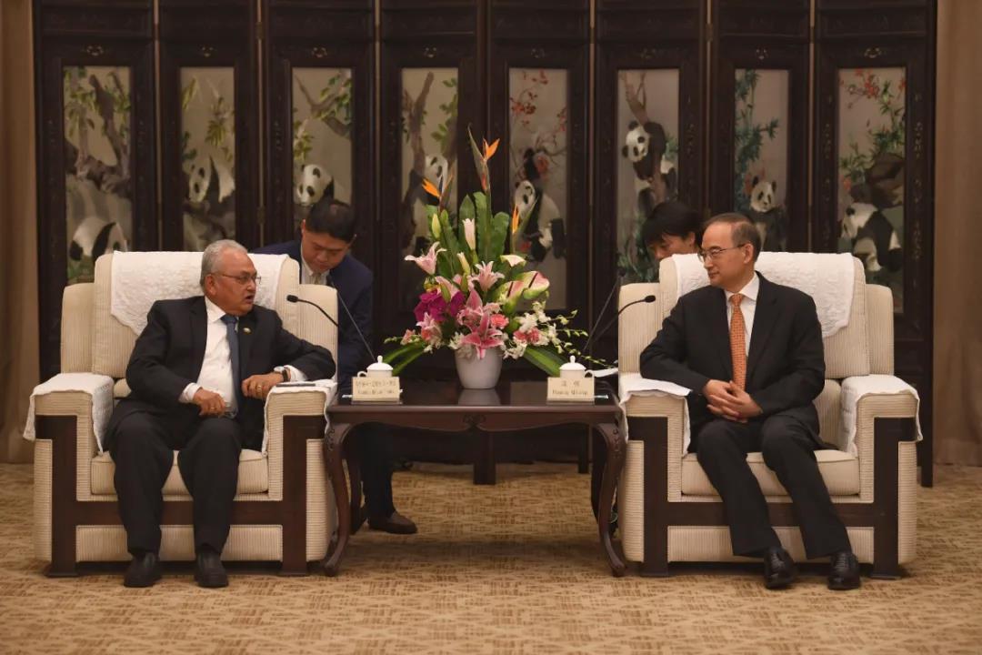 尼泊尔驻华大使潘迪访问四川