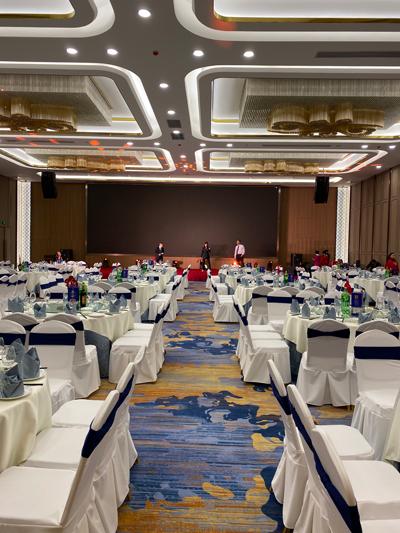 承接四川省成都市瑞城名人酒店宴会厅
