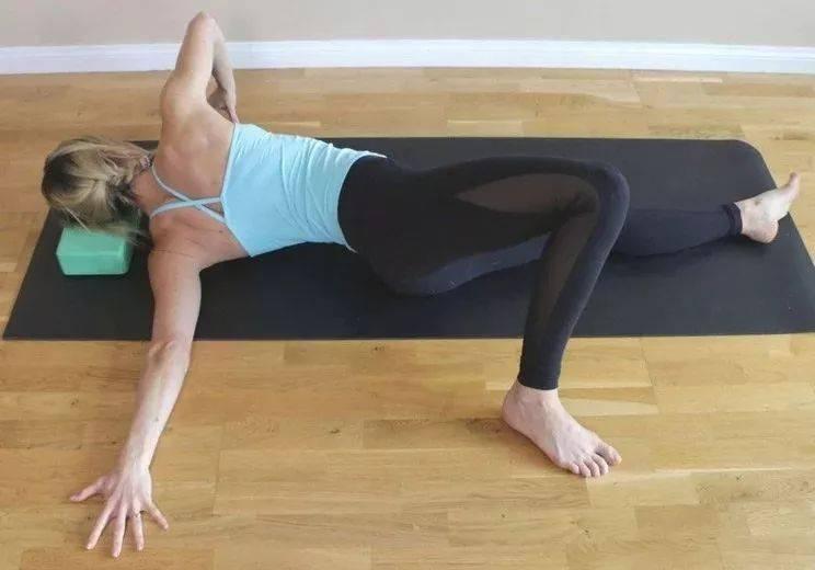 连续30天开肩瑜伽练习,你的体型会发生很大变化…