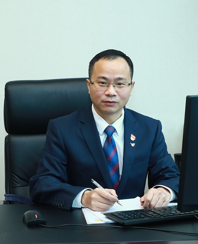 Zhu Chuanbao(Operations Director of Yuexiu Transport)