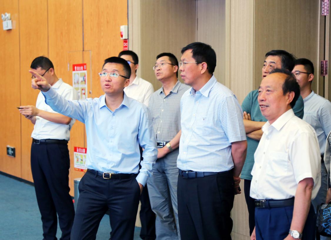 點贊企業家精神 茅臺集團白金酒公司參訪中譽控股集團