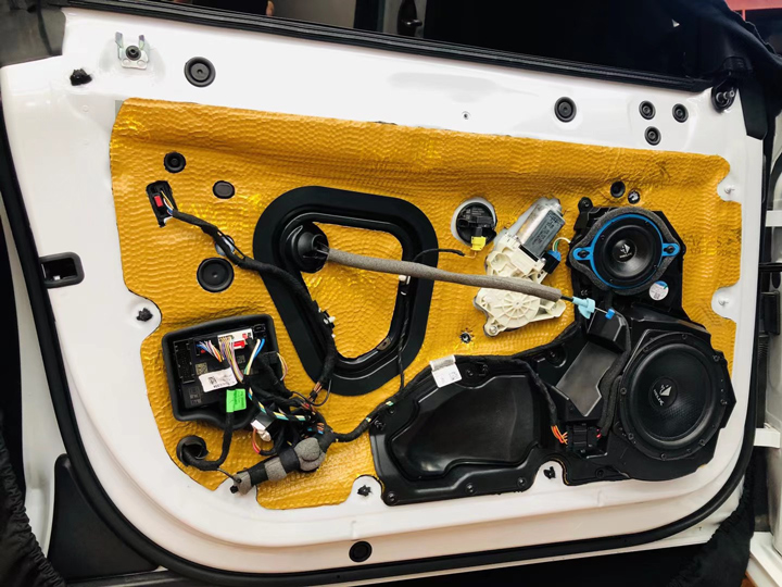 奥迪A7升级德国HELIX音响 | 让人迷醉的HI-FI音质,带你到达梦想的彼岸