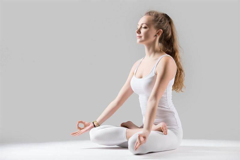 瑜伽基础动作盘莲花 简单而有用